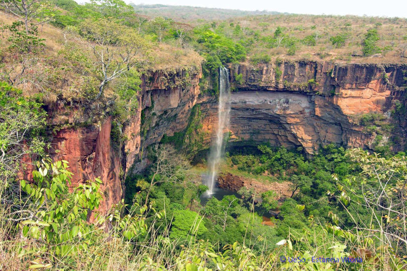 Waterfall in the Chapada, Véu da Noiva